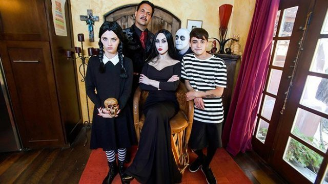 Kate Bloom, Audrey Noir – Addams Family Orgy
