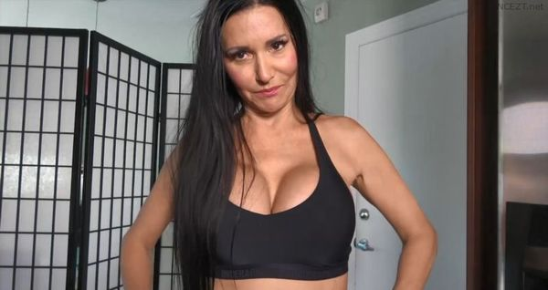 Butt3rflyforU – My Mom's Huge Tits