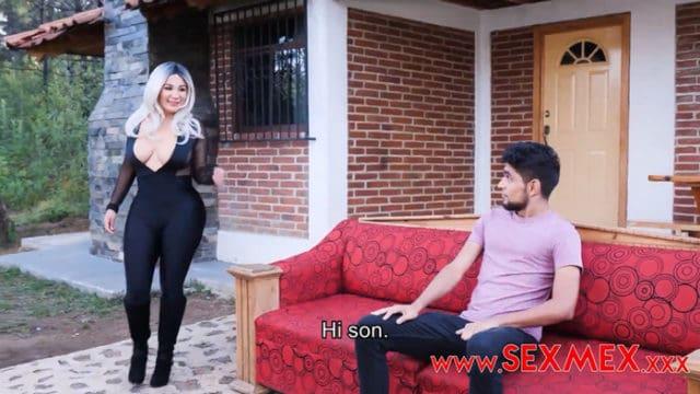 Sexmex Vika Borja – Hot Cosplayer Mommy