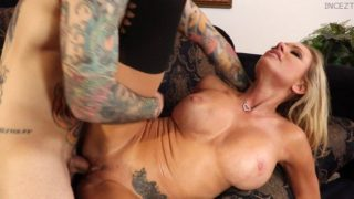 Briana Banks – Busty Blonde Mom Gets Railed By Her Hung Son